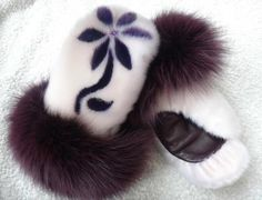 Inuit made sealskin mitts w/ fur trim by Victoria Gordon Adams Warmest mitts EVER! Inuit Clothing, Inuit Art, Indian Crafts, Native American Fashion, Indigenous Art, Native Art, Mitten Gloves, Handmade Crafts, Leather Craft