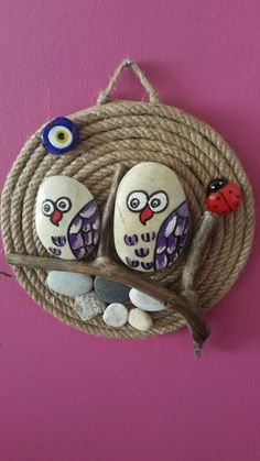 Diy Crafts To Do, Rock Crafts, Yarn Crafts, Clay Crafts, Pebble Painting, Pebble Art, Stone Painting, Colorful Rangoli Designs, Rock Decor