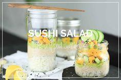 Liebt ihr Sushi auch so sehr wie wir? Dann seid ihr hier genau richtig, denn wir habendes Rezept für ein leckeres Sushi Salad Jar to Go!