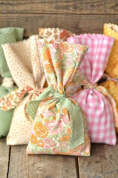 Easy No-Sew DIY Favor Bags, Tutorial...great step by step tutorial. These are for a wedding but would be great for any shabby type party.