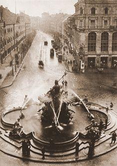 Berlin ca.1900 Neptunbrunnen am Schlossplatz,Blickrichtung Breite Strasse.