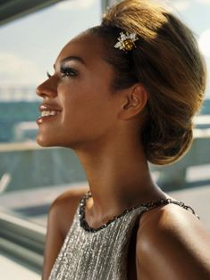 smiling Beyonce and her beautiful hairstyle #hair