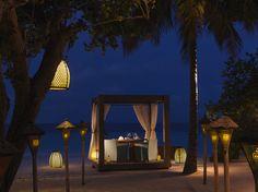 Jumeirah Vittaveli - Mu Beach Bar & Grill