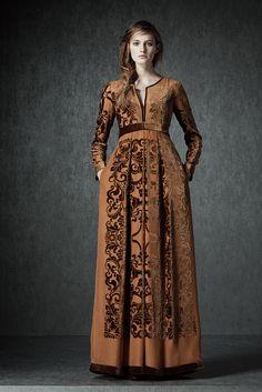 http://www.style.com/slideshows/fashion-shows/pre-fall-2015/alberta-ferretti/collection/13