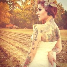 people always ask me whether I will cover up my tattoos for my wedding or not. why the hell on the most important day of my life l, would I hide who I am? this bride is absolutely beautiful. Tattoo Girls, Girl Tattoos, Brides With Tattoos, Tattooed Brides, Tattooed Wedding, Tattooed Women, Rockabilly Wedding, Punk Wedding, Rockabilly Baby