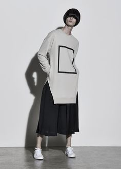 """Dohn Hahn's Spring/Summer 2016 collection was inspired from a poem called """"Mirror"""" written by Lee Sang. The collection expresses the introspection and self-disunion from the image of self-portrait from the mirror with unique sensitivity of Dohn Hanh. Fashion Details, Love Fashion, Runway Fashion, Fashion Show, Mens Fashion, Fashion Design, Men Street, Street Wear, Look Man"""