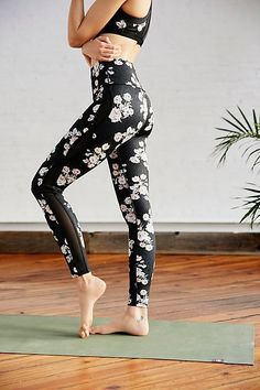 Cheap fitness sport leggings, Buy Quality running tights directly from China tights running Suppliers: Ayopanda Liza Legging High Waist Floral Printed Yoga Pants Women Wide comfort waistband Running Tights Gym Fitness Sport Legging Sports Leggings, Workout Leggings, Leggings Are Not Pants, Yoga Leggings, Printed Yoga Pants, Printed Leggings, Mesh Pants, Free People, Running Tights