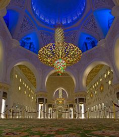Sheikh Zayed Grand Mosque - 10 Things to do in Abu Dhabi on your next Travel
