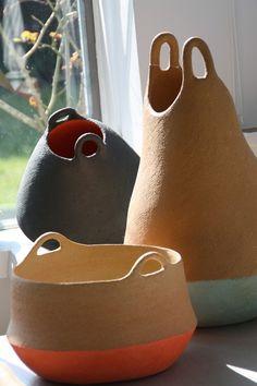 Pottery handbuilding - Céramique IO D – Pottery handbuilding Ceramic Pots, Ceramic Clay, Ceramic Pottery, Pottery Art, Slab Pottery, Ceramic Studio, Pottery Bowls, Modern Ceramics, Contemporary Ceramics