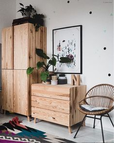 my scandinavian home: 8 Ways To Add Instant Warmth To Your Home - wooden storage / vintage pieces Living Room Decor, Bedroom Decor, Bedroom Storage, Home Decor Pictures, Home Decor Signs, Scandinavian Home, Home Decor Inspiration, Decor Ideas, Kids Room