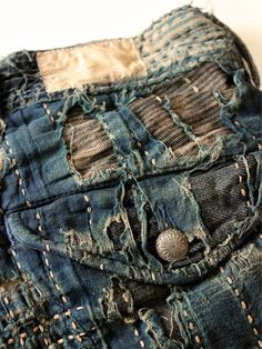New patchwork fashion fabric manipulation ideas Boro, Fashion Fabric, Denim Fashion, Shibori, Visible Mending, Denim Art, Make Do And Mend, Denim Ideas, Denim Trends