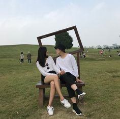 Discovered by 𝙢𝙚𝙜. Find images and videos about couple and ulzzang on We Heart It - the app to get lost in what you love. Couple Ulzzang, Ulzzang Girl, Korean Couple, Korean Girl, Couple Goals Tumblr, Couple Goals Cuddling, Kpop Couples, Couple Aesthetic, Asian Love