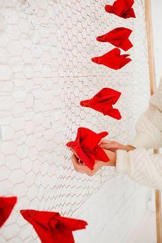 фотография Kreativnye-foto-zony-na-svadbe-4 Креативные фотозоны на свадьбе: делаем ее веселой и креативной! Фотозона на свадьбе