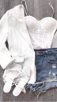 Simple Outfits, Chic Outfits, Trendy Outfits, Blazer Outfits Casual, Cute Teen Outfits, Spring Outfits Women, Cute Comfy Outfits, Night Outfits, Outfits For Teens