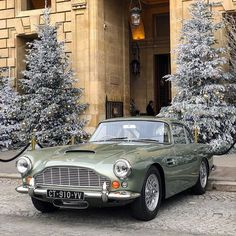 The Aston Martin is one of the most elegant grand tourer supercars available. Available in a couple or convertible The Aston Martin has it all. Classic Aston Martin, Aston Martin Lagonda, Aston Martin Cars, Citroen Ds, Retro Cars, Vintage Cars, British Sports Cars, Classic Cars British, Classic Motors