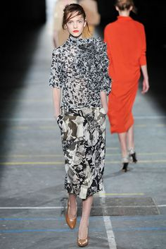 Dries Van Noten Fall 2009 Ready-to-Wear - Collection - Gallery - Style.com