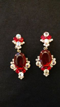 Absolutely stunning set is clip on earrings. Made for that special night out!!!   NOT SIGNED   For centuries, the foundries of old Czechoslovakia have