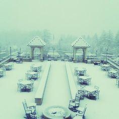 Winter at @thehotelhershey ---- um I mean spring??? It's beautiful even with snow.  #thehotelhershey #ilovechocolate #hersheypa #whereisspring #snowinhershey #sweetwelcomeinhershey #sweetestplaceonearth