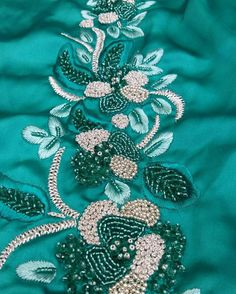 broderies d'origine orientale                                                                                                                                                     Plus