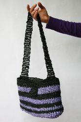 borsa eco all'uncinetto, fatta di plarn (filato ottenuto dalle buste di plastica) - crocheted eco-bag (plarn)