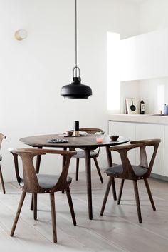 Aesenc | Minimal Home Inspiration | Minimal Dining | Pendant Lamp