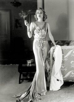 Constance Bennett 1935 - Photo by George Hurrell