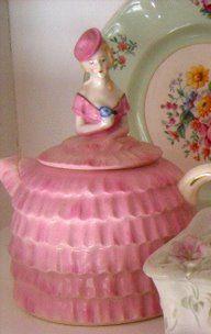 Cute Vintage Tea Pot