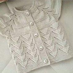 """270 Beğenme, 3 Yorum - Instagram'da Beyhan Dal Uçar (@orgudelisiyiz): """"#handmade #crochet #elemegi #knitting #elisi#elorgusu #dantel #igneoyasi #elsanatlari #yün #kazak…"""""""