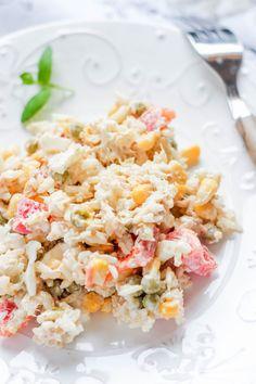 Sałatka ryżowa z tuńczykiem i jajkiem Pasta Salad, Potato Salad, Food And Drink, Potatoes, Ethnic Recipes, Essen, Crab Pasta Salad, Potato