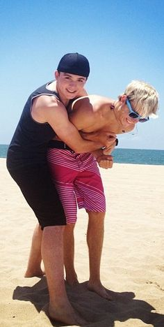 Awwwww! The oldest and youngest!! I love this pic sooo much! (Ryland and Riker)