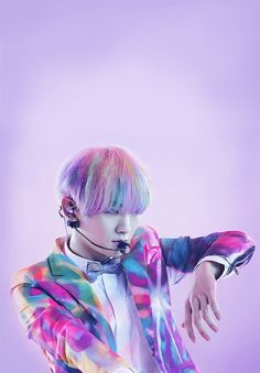 Key ☆ SHINee See the rainbow, Feel the rainbow, smell the rainbow, be the rainbow. but don't taste the rainbow cause hair in one's mouth is a horrible thing.