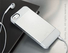 Alluminum case for iphone 4/4S , looks like iphone 5 :D getting this