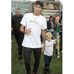 Ney at #institutoneymarjr 07.07.2015 #Neymarzete #Forever @neymarjr My boys