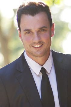 Tommy Page is age soooo slowly!