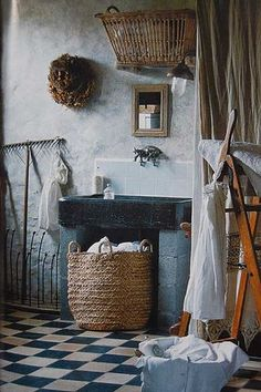 Farmhouse Living--I would spend less time in the kitchen if my laundry room looked like this...