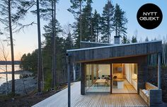 Arkitektritat hus Hajom skjutdörrar