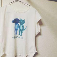 ペイントしたくなって、白Tシャツにお絵描きしました。OSAKANYA.Tシャツ!猫が好きなのと、その猫が好きな魚を合わせました。予想よりも可愛くできた気がします!早く着たい!◯ #Tシャツ #ペイント #イラスト #リメイクt #リメイク #オリジナルtシャツ #猫 #魚mtms___212016/03/02 00:15:57