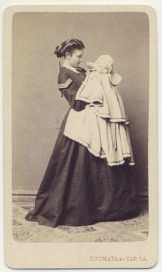 Super sweet photo of Victorian Mother and Child, c. Antique Photos, Vintage Pictures, Vintage Photographs, Old Pictures, Old Photos, Time Pictures, Victorian Era, Victorian Fashion, Victorian Photos