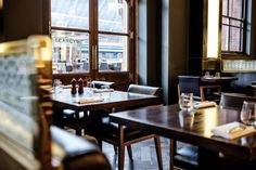 SEARCYS, ST PANCRAS GRAND, LONDON: From the tables inside this elegant upscale chain restaurant you can watch sleek ...