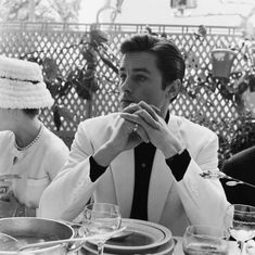 """Alain Delon à Cannes 1962 -  The first to be in my life is Brigitte Auber, she was also the first to want to convince me to do cinema. All were like her wanting to train me in their wake. Brigitte told me: """"Above all, be yourself, do not play, talk as you speak, move as you move."""" In reality, I never played, I lived. Then it was Edwige Feuillère who took me under wing. And my career was launched without me having the feeling of being there for something."""