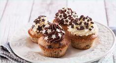 Leckeres Rezept für Spekulatius-Cupcakes mit viel Schokolade im Teig und im Topping. Das Ganache-Grundrezept wird mit Spekulatiusgewürz aromatisiert.