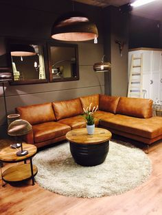 Leather Sofa - Confused About Furniture? Some Tips On Furniture Buying And Care. Living Room Sofa Design, Boho Living Room, Home And Living, Living Room Designs, Living Room Decor, Sofa Cognac, Home And Deco, Living Room Inspiration, Leather Sofa