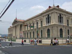 EL PALACIO NACIONAL EN EL CENTRO DE SAN SALVADOR, El Salvador