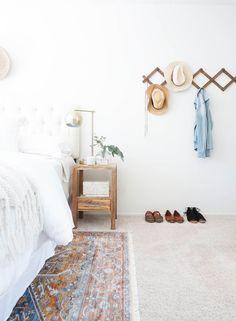 Minimalist Interior, Minimalist Decor, Modern Minimalist, Minimalist Design, Minimalist Living, Apartment Interior Design, Modern Interior Design, Interior Design Living Room, Modern Decor