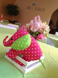 Centro de mesa, elefante rosa