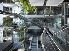 """O Ateliers Jean Nouvel realizou recentemente decorou o """"Renaissance Barcelona Fira Hotel"""", um complexo composto por duas torres de 27 andares."""