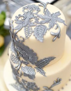 Creamy cream and silver cake...love the detail
