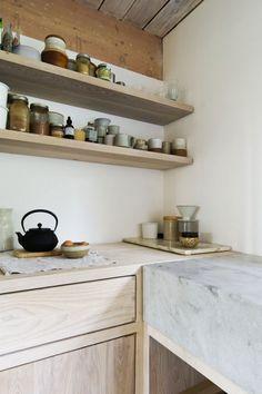 Une cuisine au style rustique et champêtre.