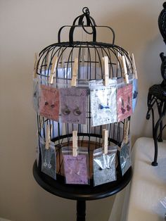 Bird cage and clothes pins! so simple :) ~ Rotating Earring Rack by wavecloud Craft Fair Displays, Store Displays, Display Ideas, Craft Booths, Market Displays, Booth Ideas, Booth Displays, Window Displays, Earring Display Stands