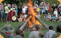 A good resource for waldorf festivals in the southern hemisphere....